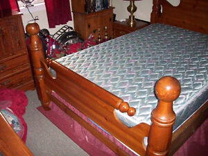 SOLID PINE CANNONBALL DOUBLE BED Peterborough Peterborough Area image 2