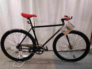 """Brand New Pure Fixe """"The Wallace"""" Single Speed Matte Black"""