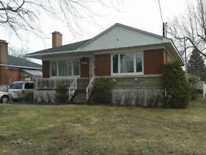 Maison à louer à Deux-Montagnes, près de Montréal et Laval!