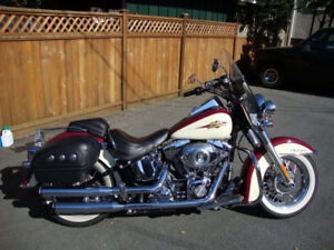 2007 Harley Davidson Soft tail Deluxe  $14,900