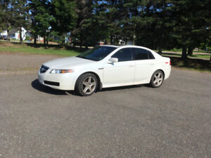 2005 Acura TL for parts or for repair. 350,000 km, $1100.00