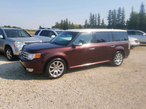 2009 Ford Flex. Limited.  3.5 V6. $8,900..
