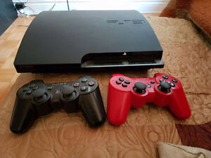 PS3 320Gigs + 2 MANETTES