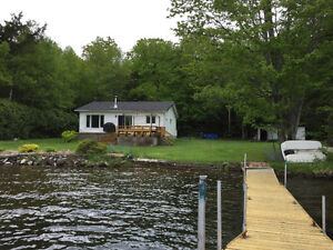 Cottage 4 season, lac Clair, 40 minutes from Ottawa