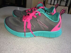 NEW! Danskin athletic shoes Kitchener / Waterloo Kitchener Area image 5