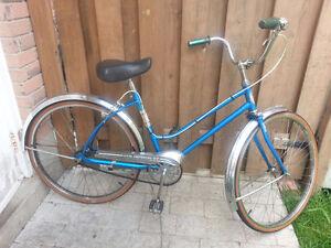 """2 Vintage Cruiser Bikes for Women ( Tires 26"""" )"""