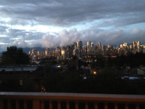 2 Bedroom Panoramic City View Vancouver Apartment Near VGH