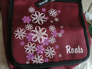 Roots burgundy crossbody messenger bag purse New with tags London Ontario image 7