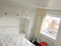'No bill ' for a spacious double room 5 mins to westferry DLR