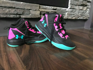 Girls size 3.5 basketball sneakers $30