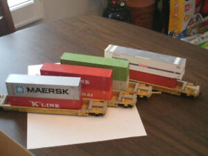 HO scale double stack 4 car set with containers