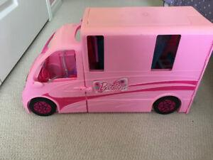Barbie Deluxe Glam Camper van