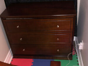Chester chest of drawers