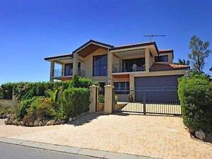 SPACIOUS QUEEN ROOM FOR COUPLE  IN BEAUTIFUL JOONDALUP HOME Joondalup Joondalup Area Preview