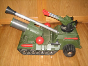 Big Bertha 1965 Military Toy HUGE! Deluxe  Reading see video