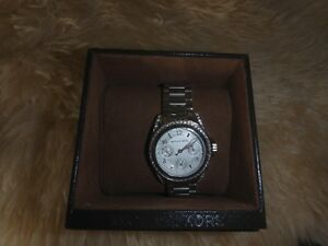 Ladies Michael Kors Watch Model 5612