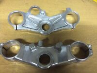 Yamaha R1 99-01 top and bottom yokes triple clamps, race track spares