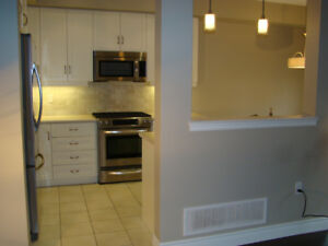 3 BEDROOM 2.5 BATHROOM End Unit Townhome FOR RENT in Grimsby