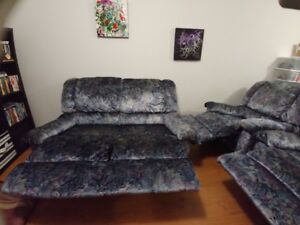 Sofa inclinable 125$ (fauteuil 75$)