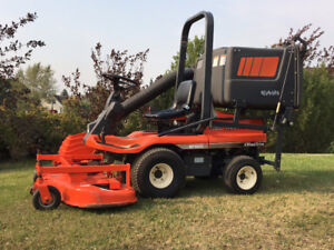Kubota GF1800 4WD Front Mount Mower & Catcher-Only 199 Hours
