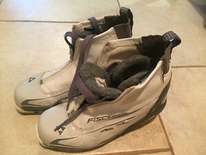 Women's Fischer Cross-Country Classic Ski Boot Size 7.5