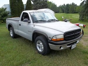 1998 Dodge Dakota Pickup Truck