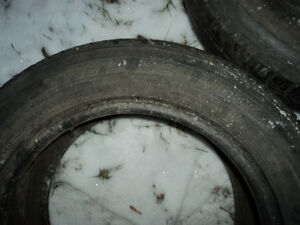 4 Assorted All Season Tires 70% Tread Left - Size P185/60R14 Edmonton Edmonton Area image 4