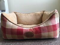 'Snug & Cosy' Dog bed