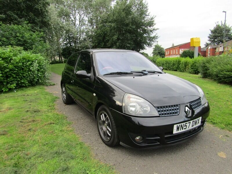 renault clio 1 2 16v 75 campus sport black 2007 in failsworth manchester gumtree. Black Bedroom Furniture Sets. Home Design Ideas