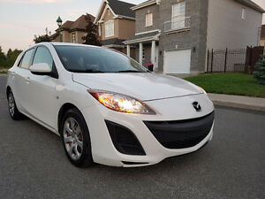 2010 Mazda 3 GX Hatchback LOW KM!!
