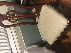 6 dining table chairs!! London Ontario image 3