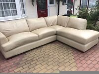 Leather corner sofa in good condition
