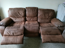 2 and 3 seater recliner sofa