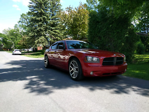 2006 dodge charger  7800$ negotiable