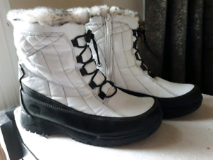Totes brand Waterproof Womens Winter Boot-size 8-$20