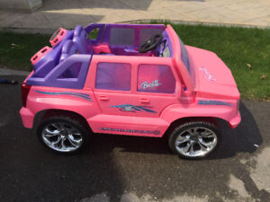 Power Wheels Barbie Cadillac Escalade - Pink