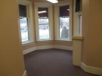 Home/office on ground floor near downtown