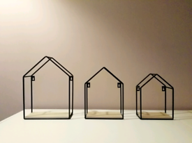 Decorative wall mounts