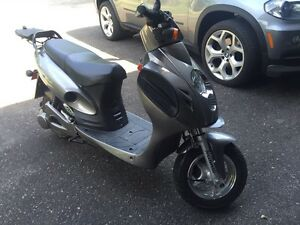 Scooteretti Sportivo electric scooter