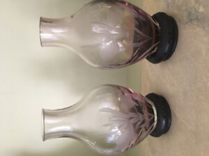 2 beautiful purple vases with stand