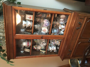 Knetchel fine furniture China/display cabinet