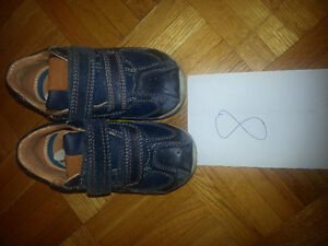 Geox boys shoes size 8. good condition