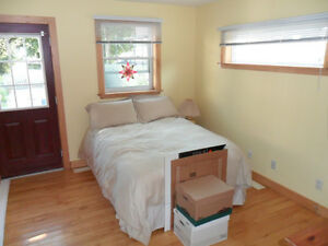 Students:Nicest 4 br 2baths House Near college and Queens