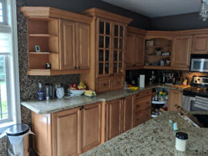 Beautiful Maple Kitchen in Great Condition
