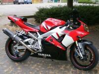 Yamaha YZFR1 2001 1000cc super sport super bike red low miles HPI clear MOT p/ex