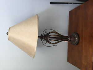 2 table lamps in great condition