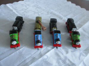 Train Thomas $4Chaque  Ensemble de  2 ( 450-991-1663)