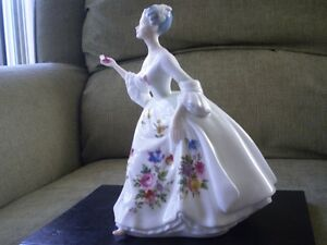 "Royal Doulton Figurine - "" Diana "" HN 2468 Kitchener / Waterloo Kitchener Area image 2"