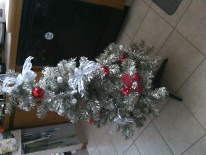 Small Christmas tree - comes with bow and bulbs on it