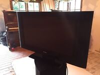 """TV 32"""" flat screen"""